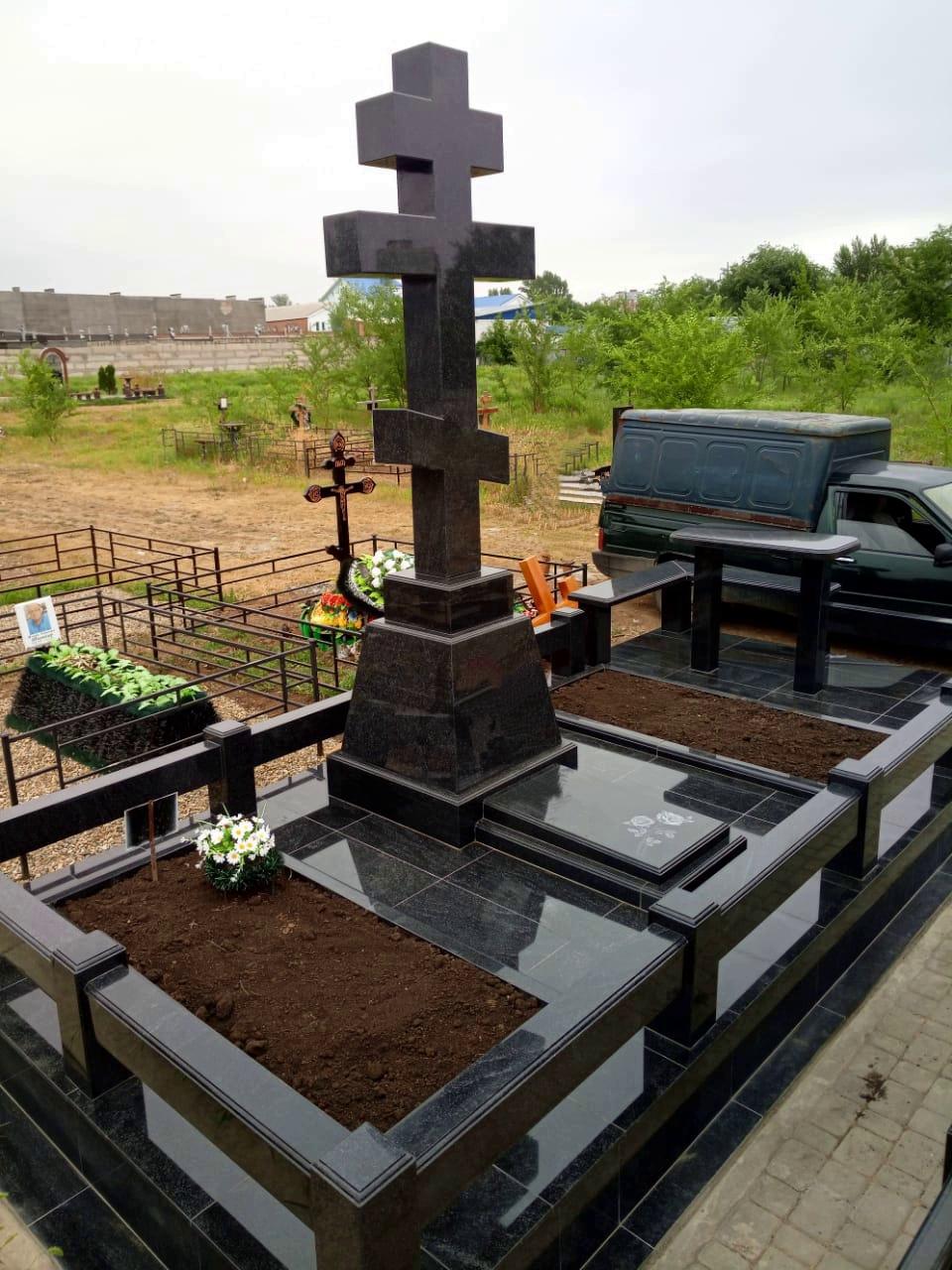 Изготовление памятника из гранита